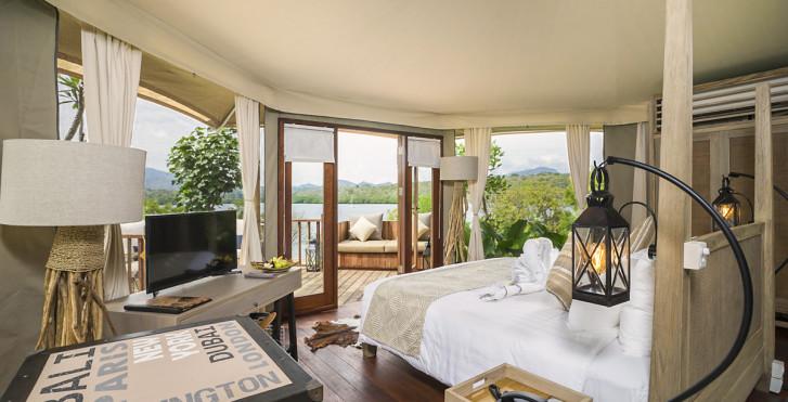 Zelt Beach Camp - Menjangan Dynasty Resort