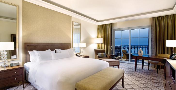 Deluxe Sea View - The Westin Dubai Mina Seyahi Beach Resort & Marina