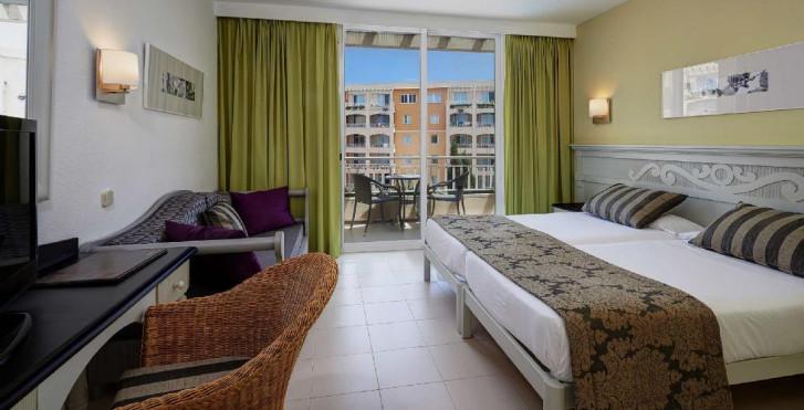 Protur Badia Park Aparthotel