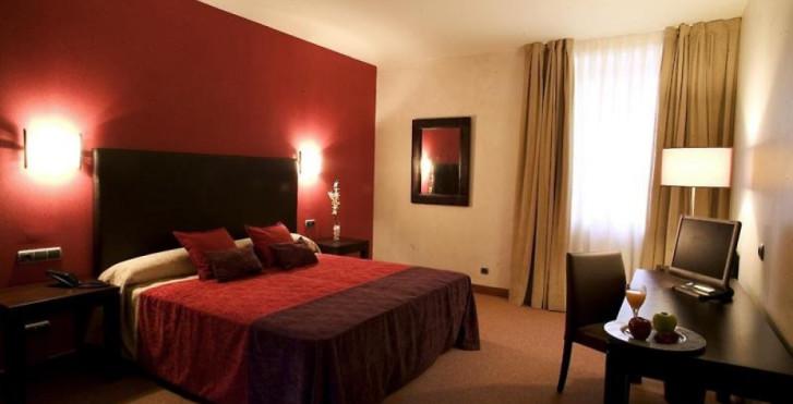 Image 28280310 - Palacio San Facundo