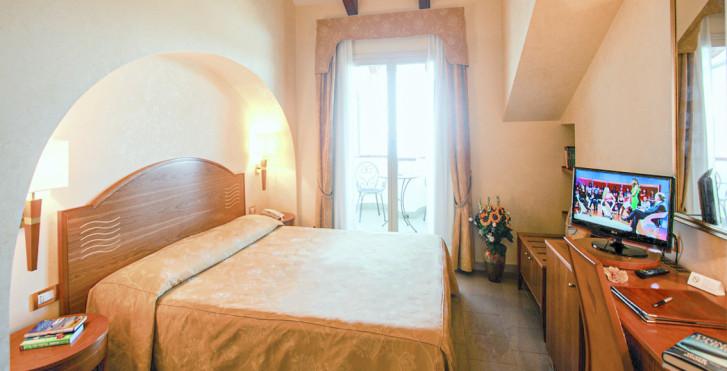 Doppelzimmer - Hotel Tirreno