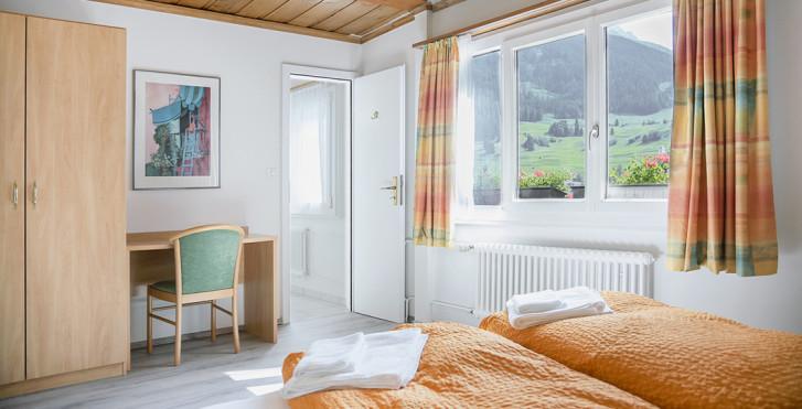 Chambre double - B&B La Tgamona - offre spéciale été, remontées incl.