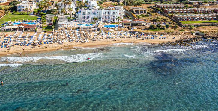 Akrogiali Beach Hotel