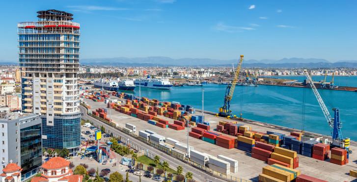 Der Hafen von Durrës