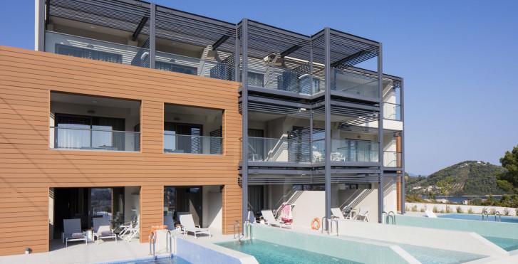 Amira Luxury Suites