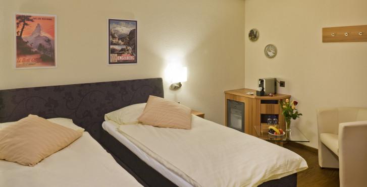Doppelzimmer - Hotel Ambassador Brig