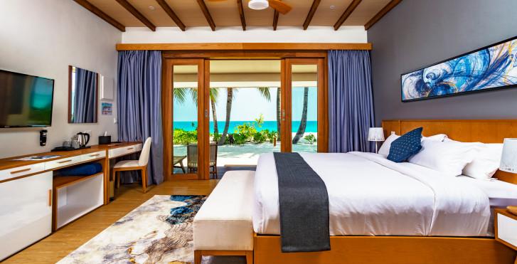 Villa Pool - Fiyavalhu Maldives
