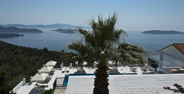Skiathos Club Hotel and Suites