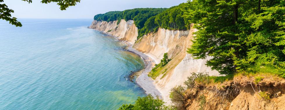 Vue des célèbres falaises de craie sur l'île de Rügen
