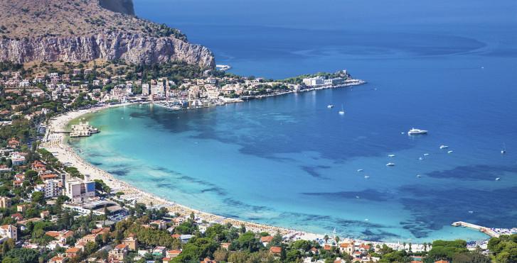 Blick auf die Bucht von Mondello