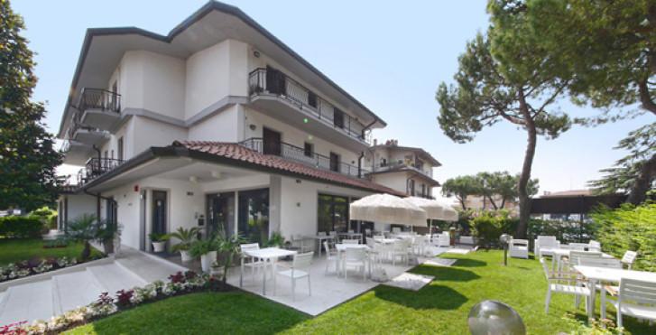 Image 27325477 - Hôtel International