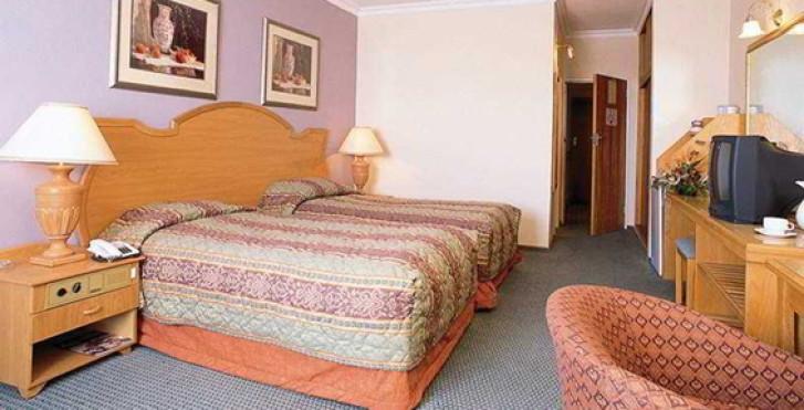 Image 16549749 - Safari Court Hotel
