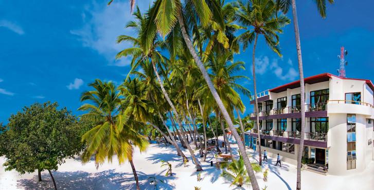 Image 7458800 - Kaani Beach