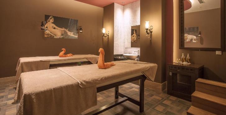Image 24693403 - Hotel Orange Palace Side