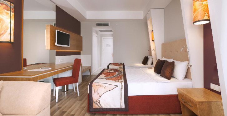 Bild 24693387 - Hotel Orange Palace Side