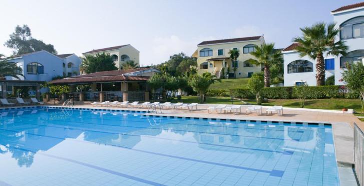Image 8039003 - Govino Bay Corfu