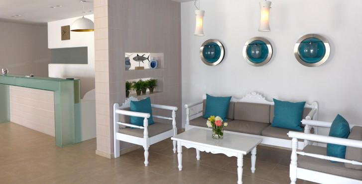 Image 27268693 - Amaryllis Paros Beach Hôtel