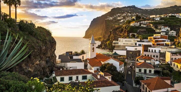 Camera de Lobos - Fly & Drive Madeira