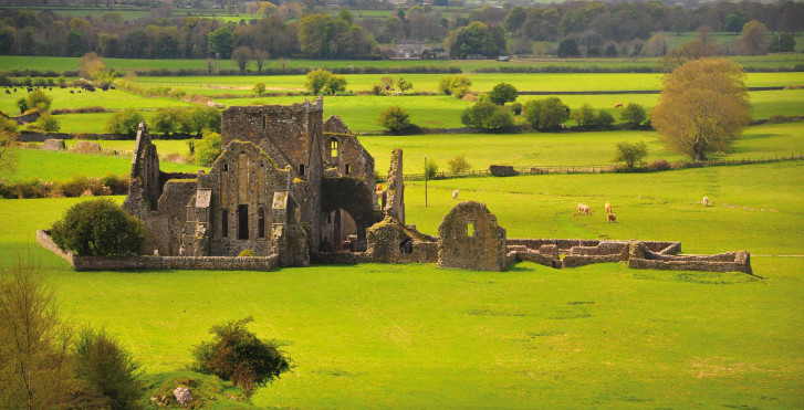 Rock of Cashel - Fly & Drive Irland