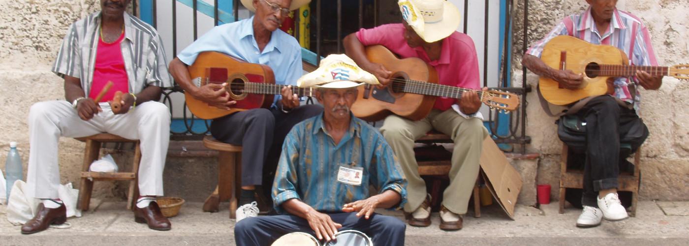 musicien de rue cubaine à La Havane