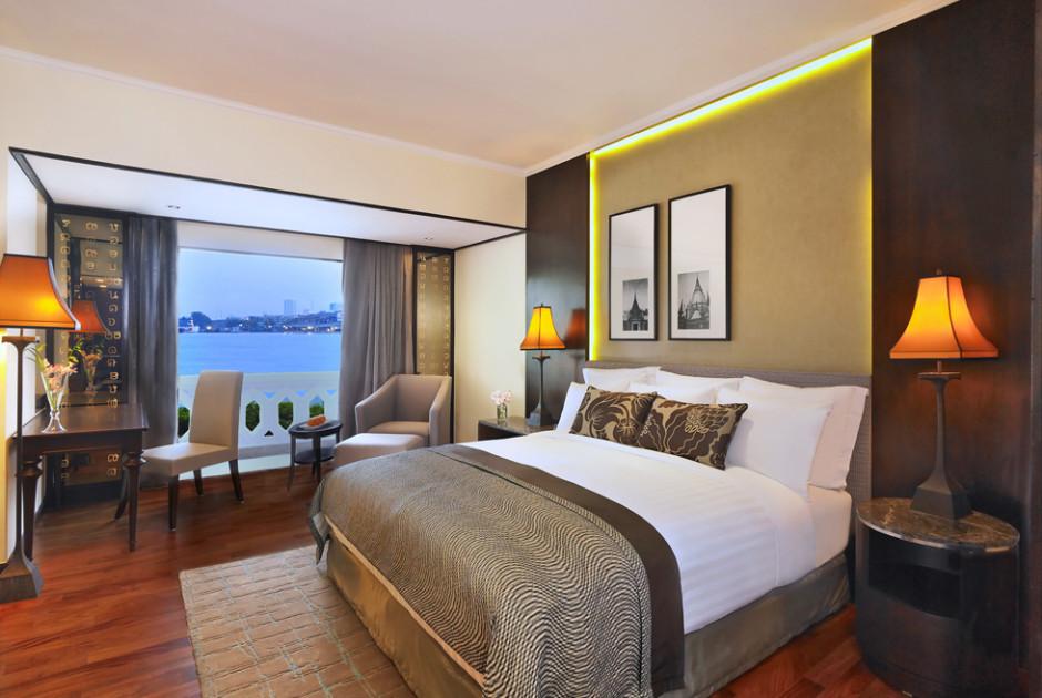 Deluxe Premier Riverfront Zimmer