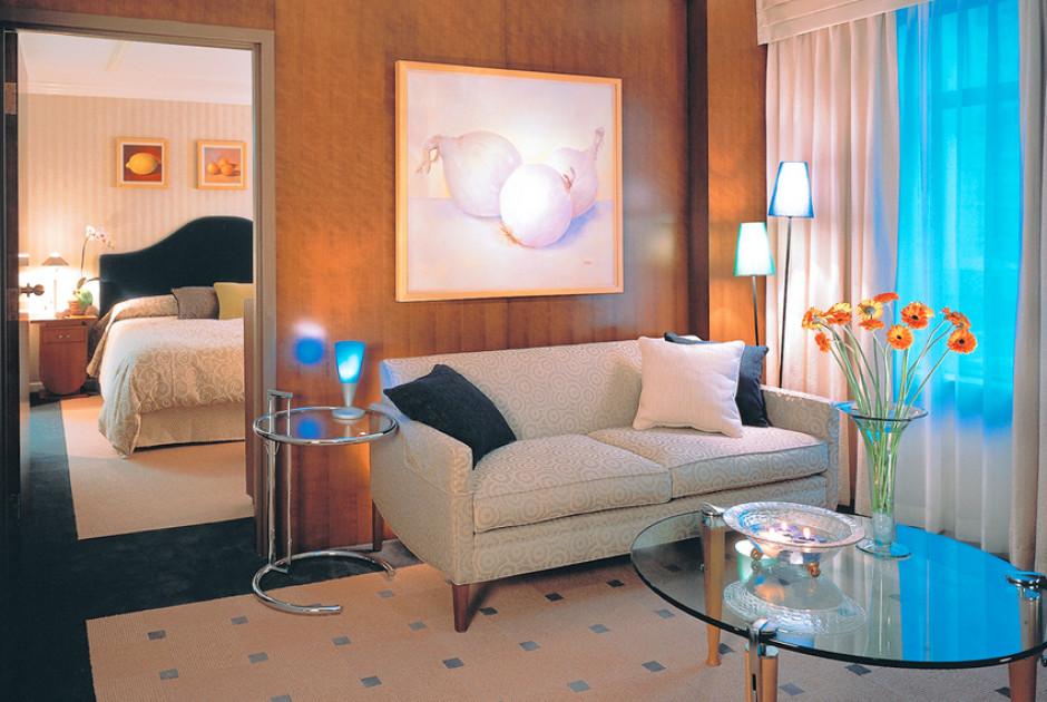 Artist Deluxe One Bedroom Suite