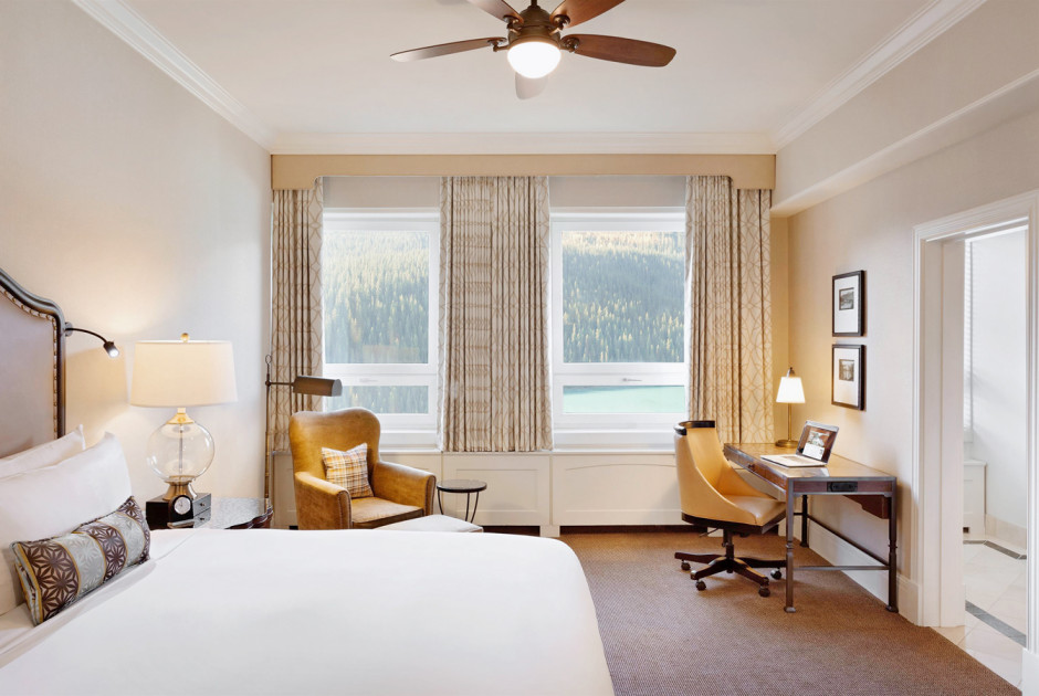 Deluxe Lakeview Room 1 King