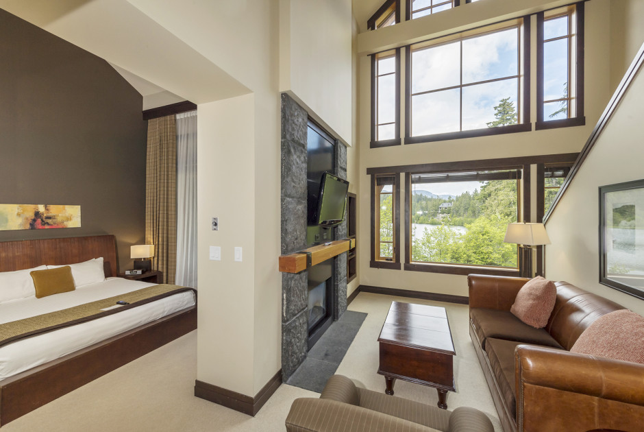 2 Bedroom Lakeview Suite