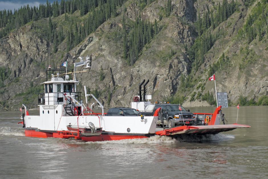 Fähre über den Yukon River