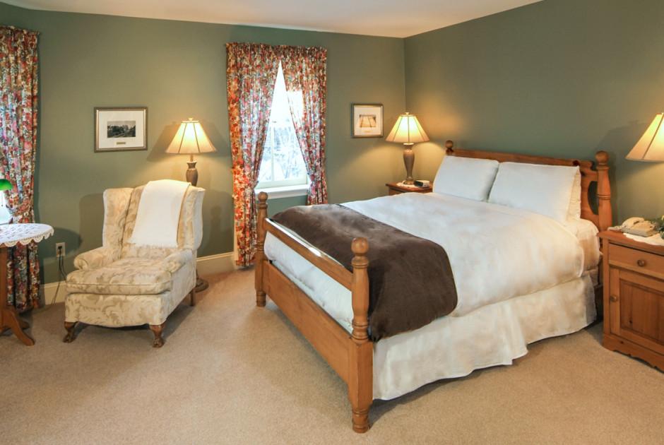 Traditional Room Queen