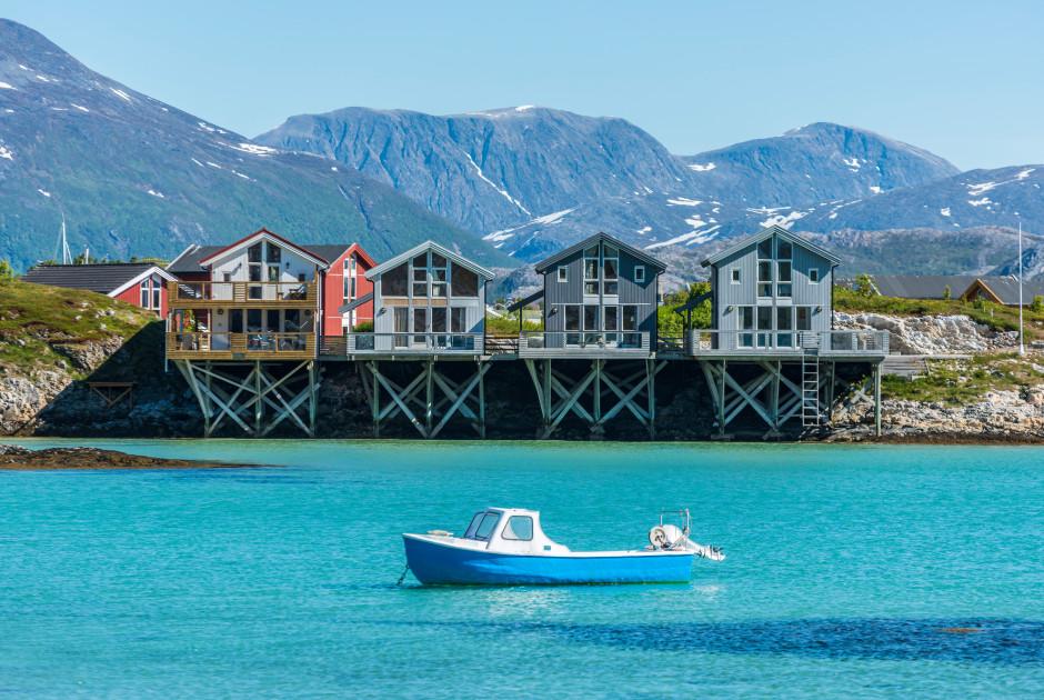 Maisons de pêcheurs traditionnelles à Sommarøy