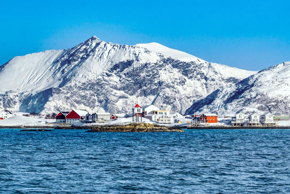 Verschneite Landschaft in Sommarøy
