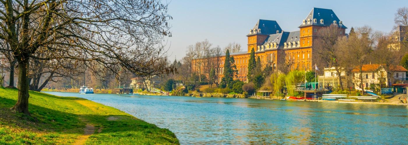 Castello del Valentino mit dem Fluss Po