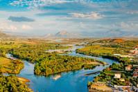 Flusslandschaft durch Albanien