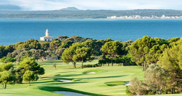 Golfplatz am Meer auf Mallorca